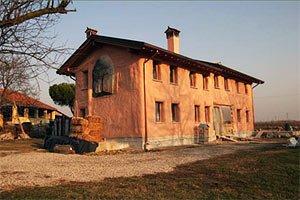 La prima casa di paglia autocostruita in Italia